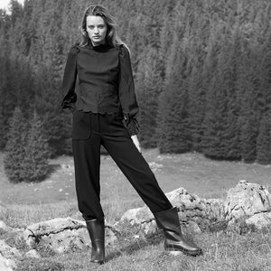 Laden Sie das Bild in den Galerie-Viewer, Liapure Atelier Wool Pants - Black