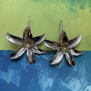 Daisy Drop Earrings - The Catalyst Mercantile