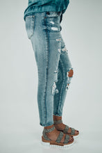 Load image into Gallery viewer, Benny Distressed Girlfriend Fit Jeans