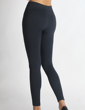 Load image into Gallery viewer, Finish Line Solid Moto Leggings