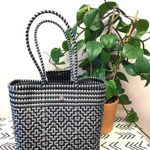 Load image into Gallery viewer, Closed Tamayo Tote - The Catalyst Mercantile