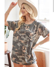 Load image into Gallery viewer, Undercover Camo Pocket Tee