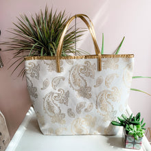 Load image into Gallery viewer, Metallic Paisley Beach Tote Bag