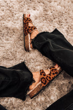 Load image into Gallery viewer, Toasty Leopard Fur Cozy Sandals
