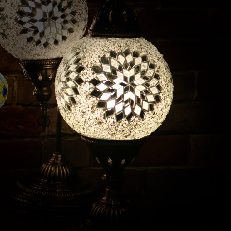 Mosaic Table Lamp in White