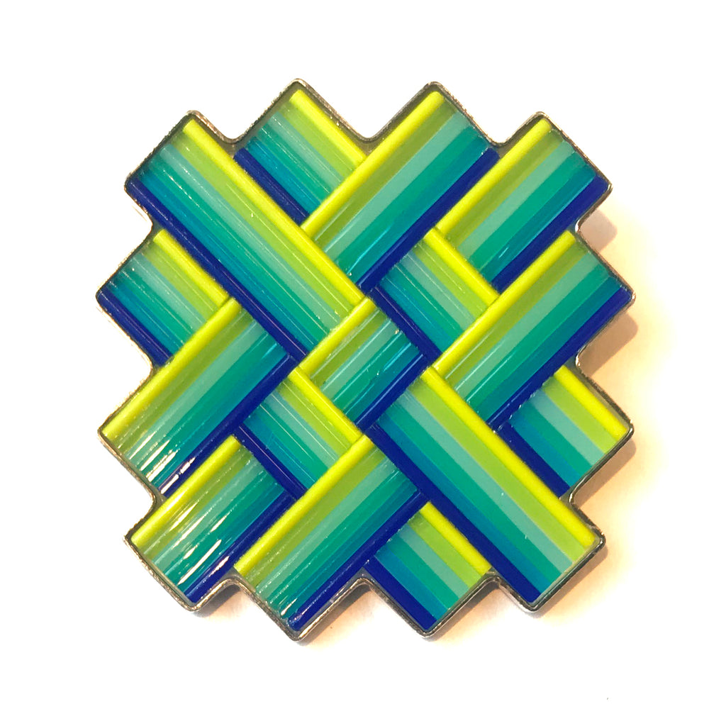 Woven Criss-Cross Gradated Pin