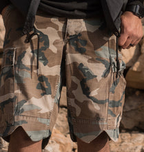 Load image into Gallery viewer, Scallop cut camo shorts