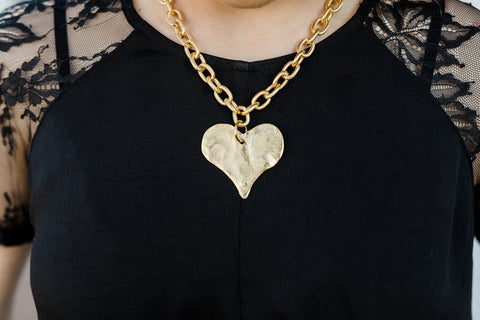 Susan Shaw Gold Heart Necklace