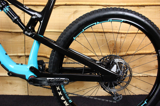 Ex-Demo 2018 Thunderbolt Carbon 90 BC Edition (Black / Blue)