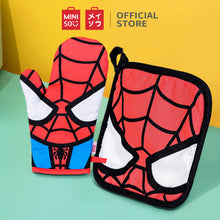 Load image into Gallery viewer, Marvel Oven Mitt and Potholder Set - Spider Man