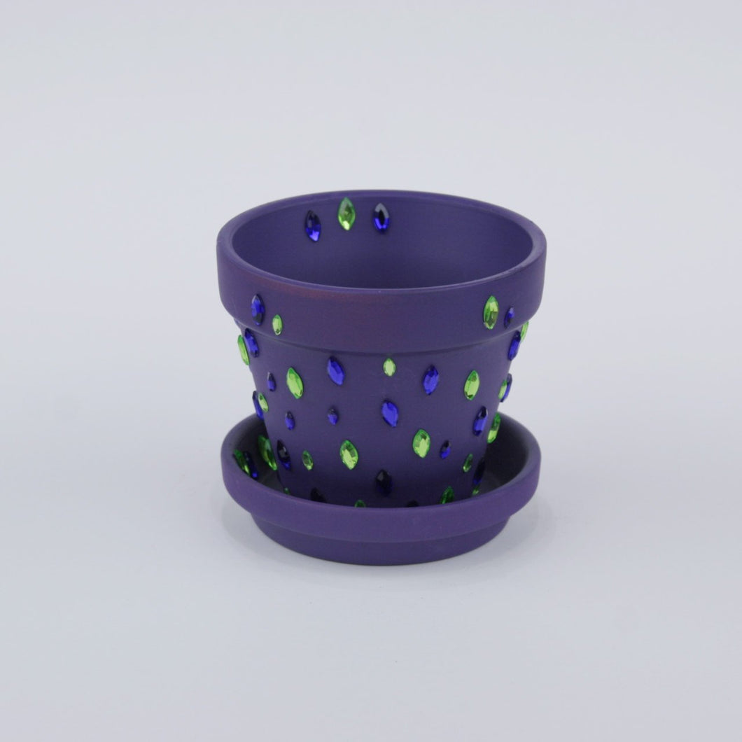 Indoor flower pot with diamonds