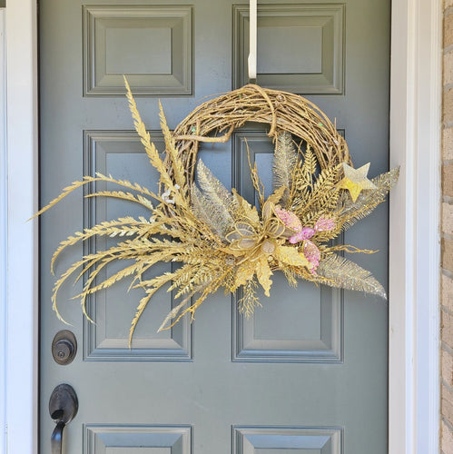 Elegant gold wreath
