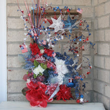 Load image into Gallery viewer, Patriotic Wreath