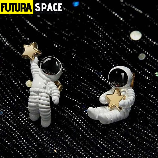 ASTRONAUTS EARRINGS - 200000168
