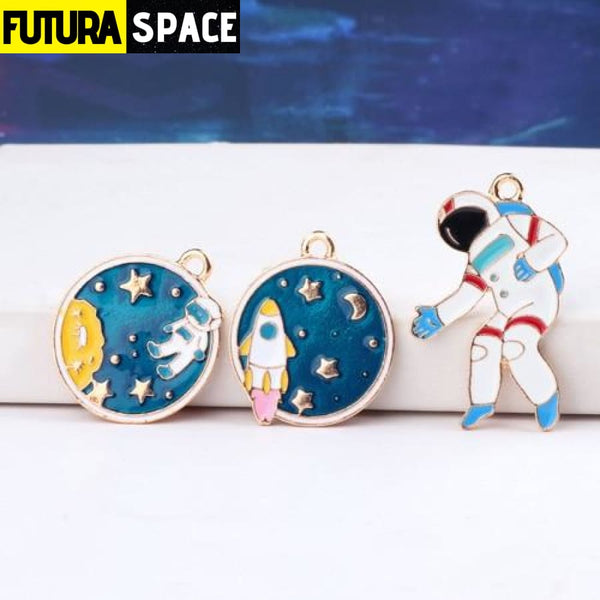 CUTE ASTRONAUT EARRINGS - 200000168