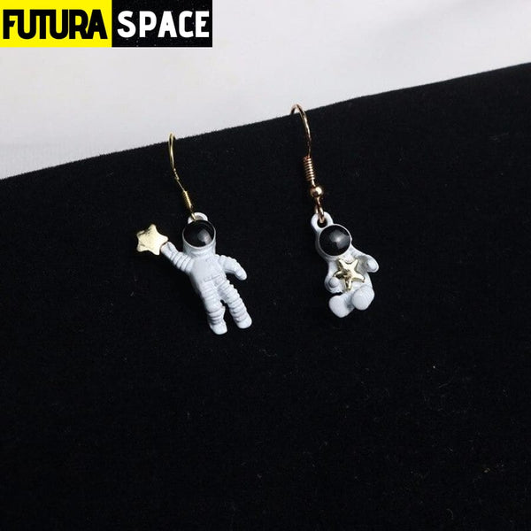 SPACE ASTRONAUT EARRINGS - 200000168
