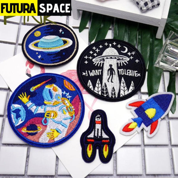 SPACE PATCH - 1 PCS UFO Alien parches Embroidered -
