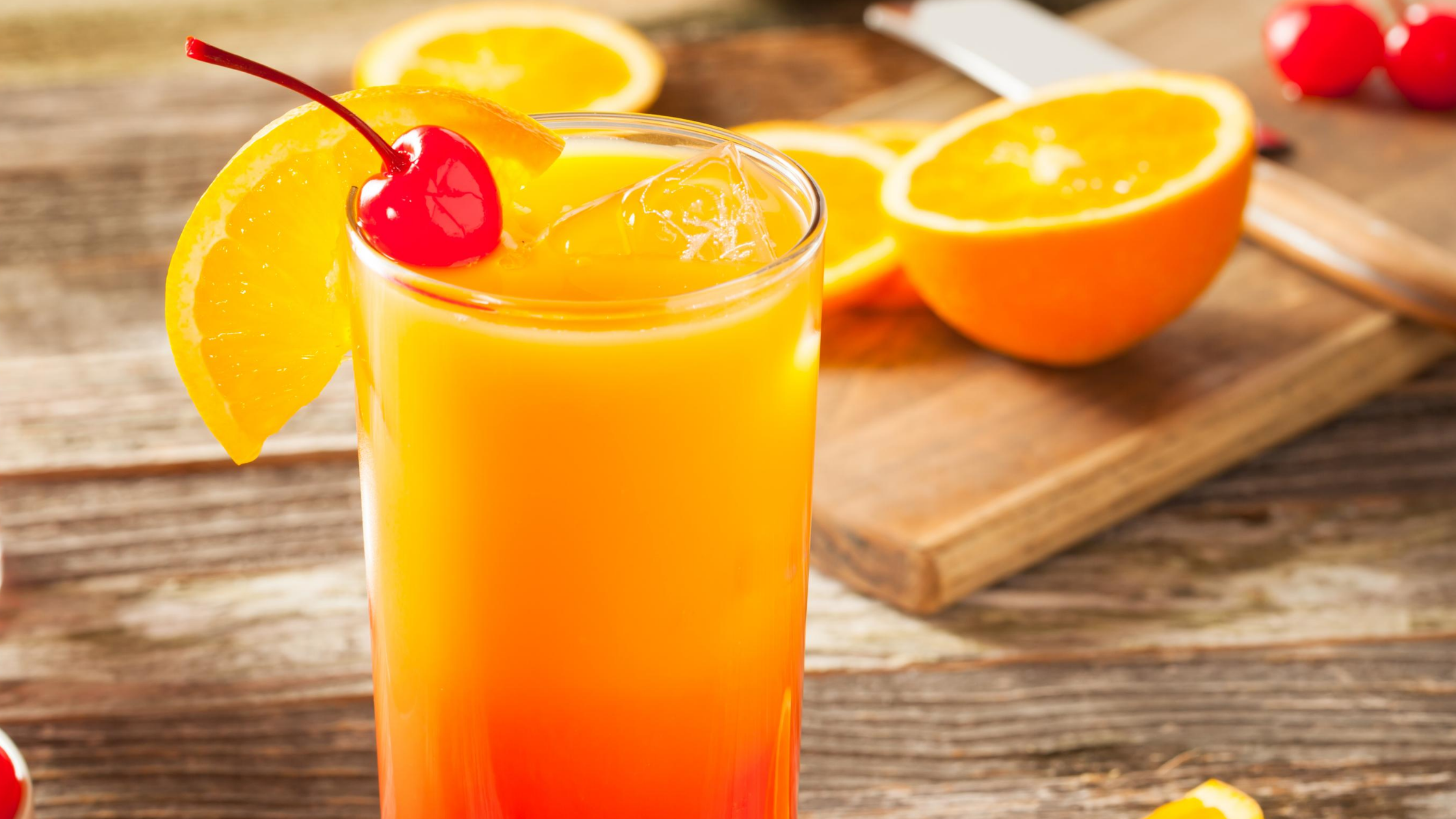 Tequila Sunrise | Easy Cocktail Drinks | EliteDrinks.com