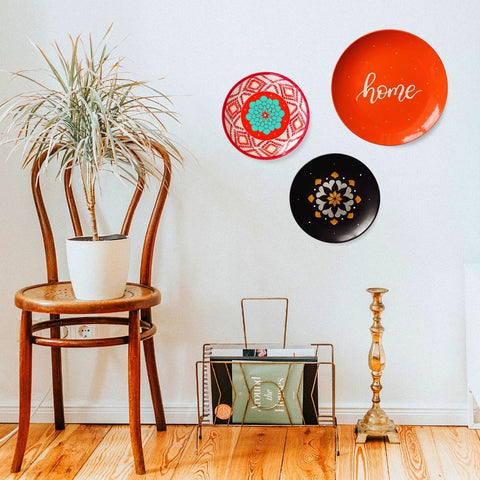 Orange and Black Wall for a Vintage Feel