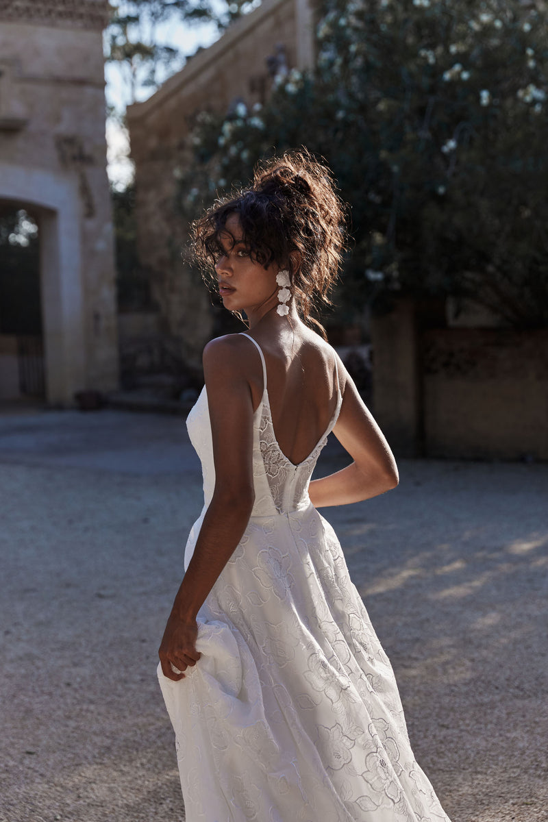 Evie Young Bridal   For the Bride Unbound by Monotony