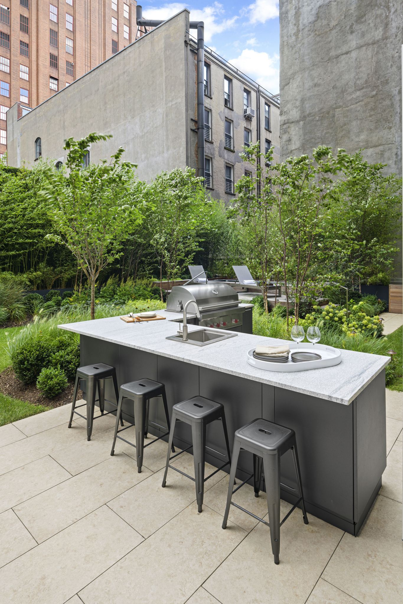 Urban Bonfire Outdoor Kitchen Manhattan, New York