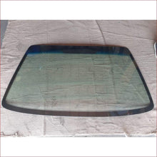 Load image into Gallery viewer, Ford Fiesta/Bantam/ikon/Mazda 121/Soho 96-03 W/S - Windscreen