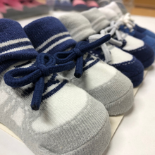 Load image into Gallery viewer, Baby Boy Booties ( Laces )