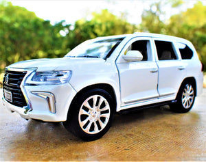 Land Cruiser (White)