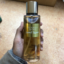 Load image into Gallery viewer, Victoria's Secret Coconut Passion Mist 250 ml