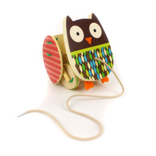 Load image into Gallery viewer, Flapping owl Pull Toy