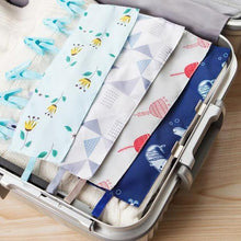 Load image into Gallery viewer, Foldable Travel Laundry Hanging Clip