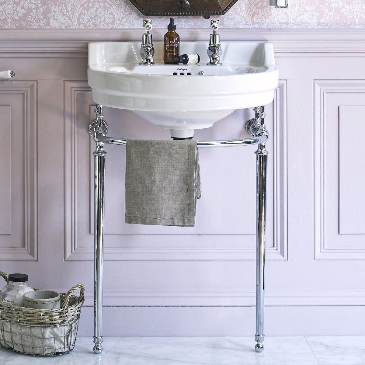 Edwardian Round Basin With Washstand - blueskybathrooms