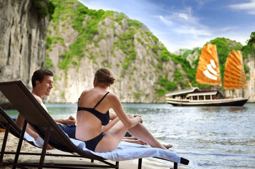 How to choose the best Halong Bay Cruise for Cruise Newbies