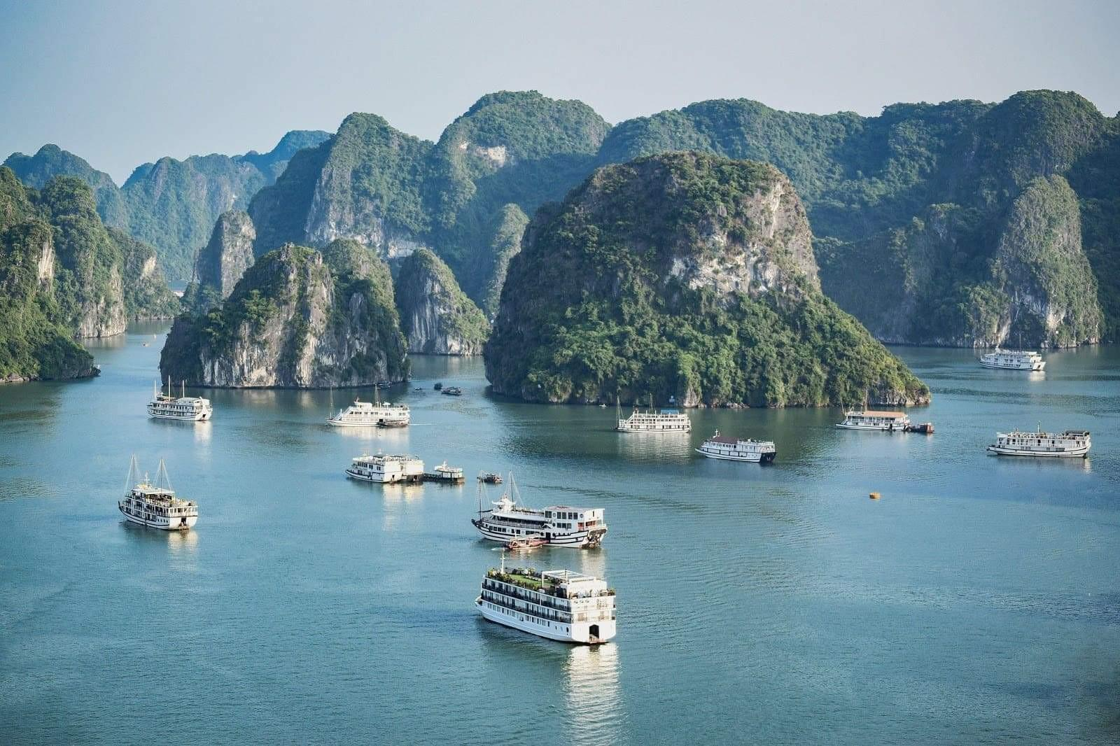 Planning your holiday in Vietnam: Which Halong Bay tour is best?