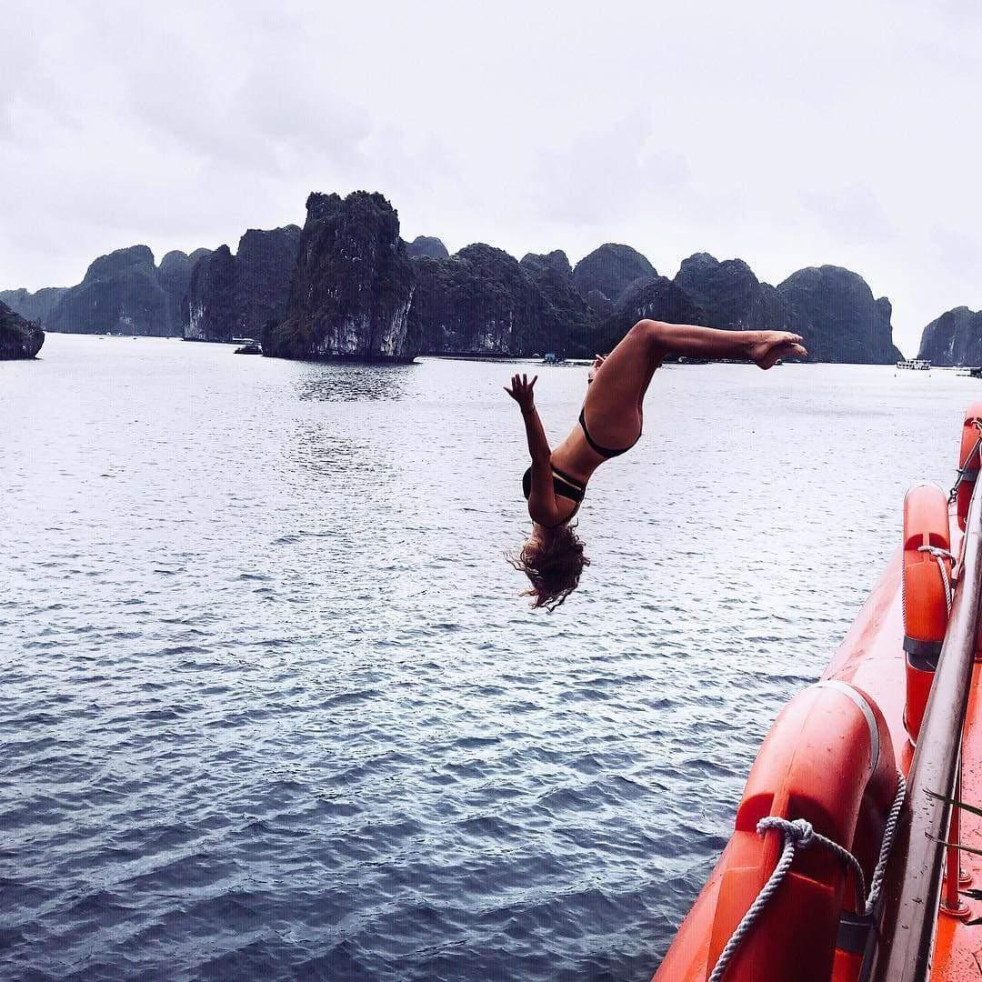 Top options when considering how to get from Hanoi to Halong Bay