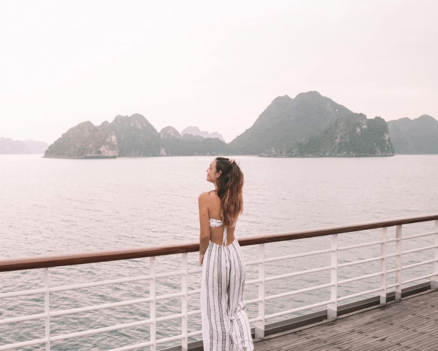 When to book Halong Bay Cruise? Right Now or Wait for Flash Sale?