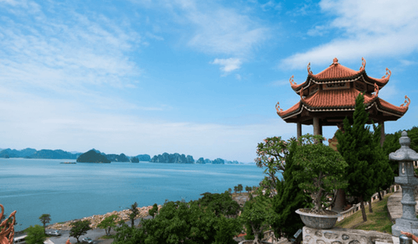 pagodas and temples in Halong Bay