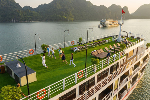 beauty of Halong Bay and Lan Ha Bay