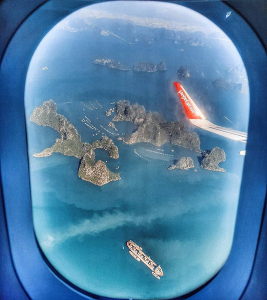 Airplane from Ho Chi Minh to Halong Bay