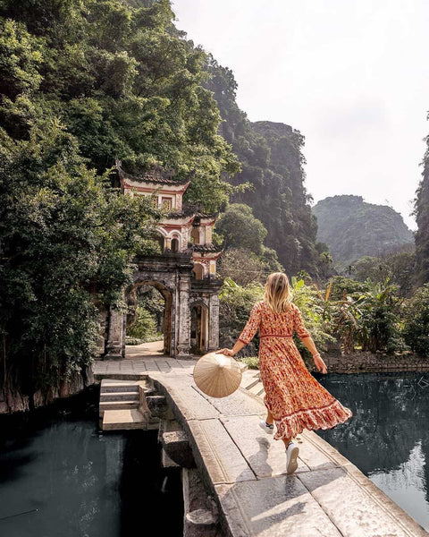 Best tips to travel from Halong Bay to Ninh Binh