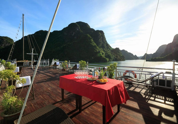2-day 1-night tour in Halong Bay