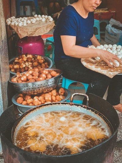 food tour in Hanoi Old Quarter