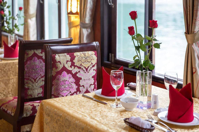 [Lowest Price] Rosa Cruise - Deluxe Cabin - 2D1N - HalongDayTour