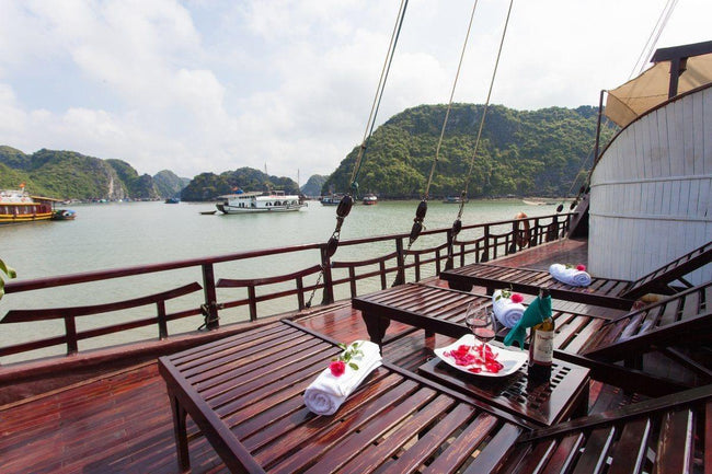 [Lowest Price] Sunlight Boutique Cruise - Deluxe Cabin - 3D2N - HalongDayTour