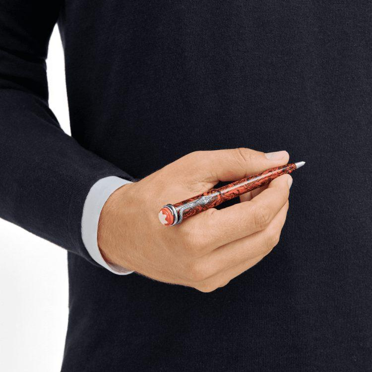 Stylo bille Montblanc Heritage Rouge et Noir Serpent Marble Special Edition