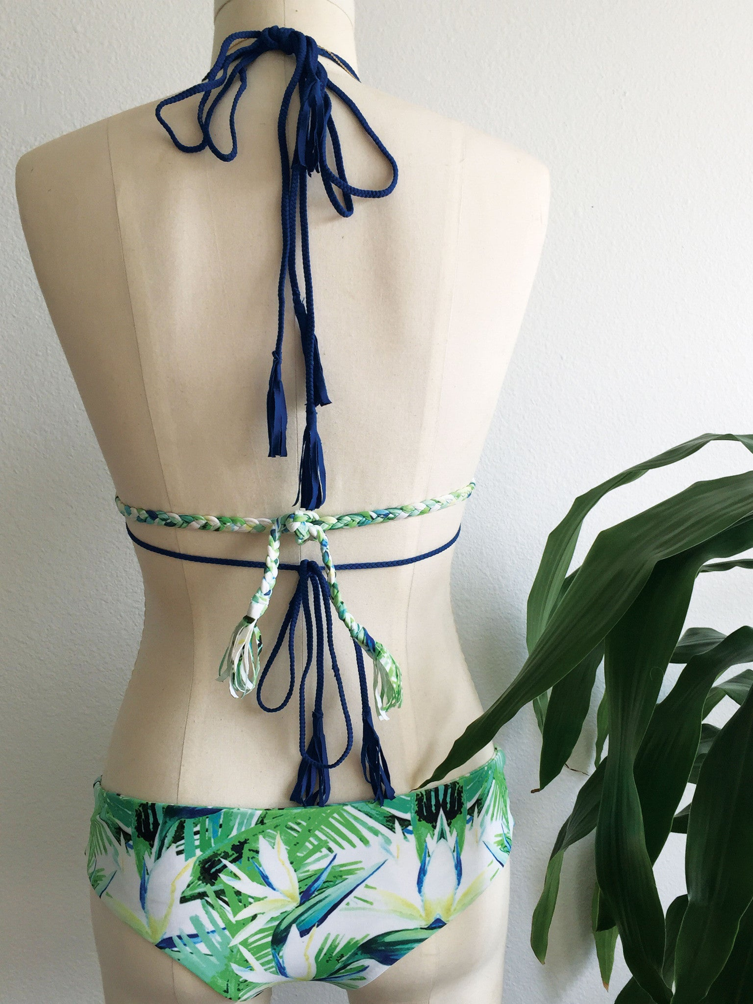 TWINZER HALTER TOP // TROPIC