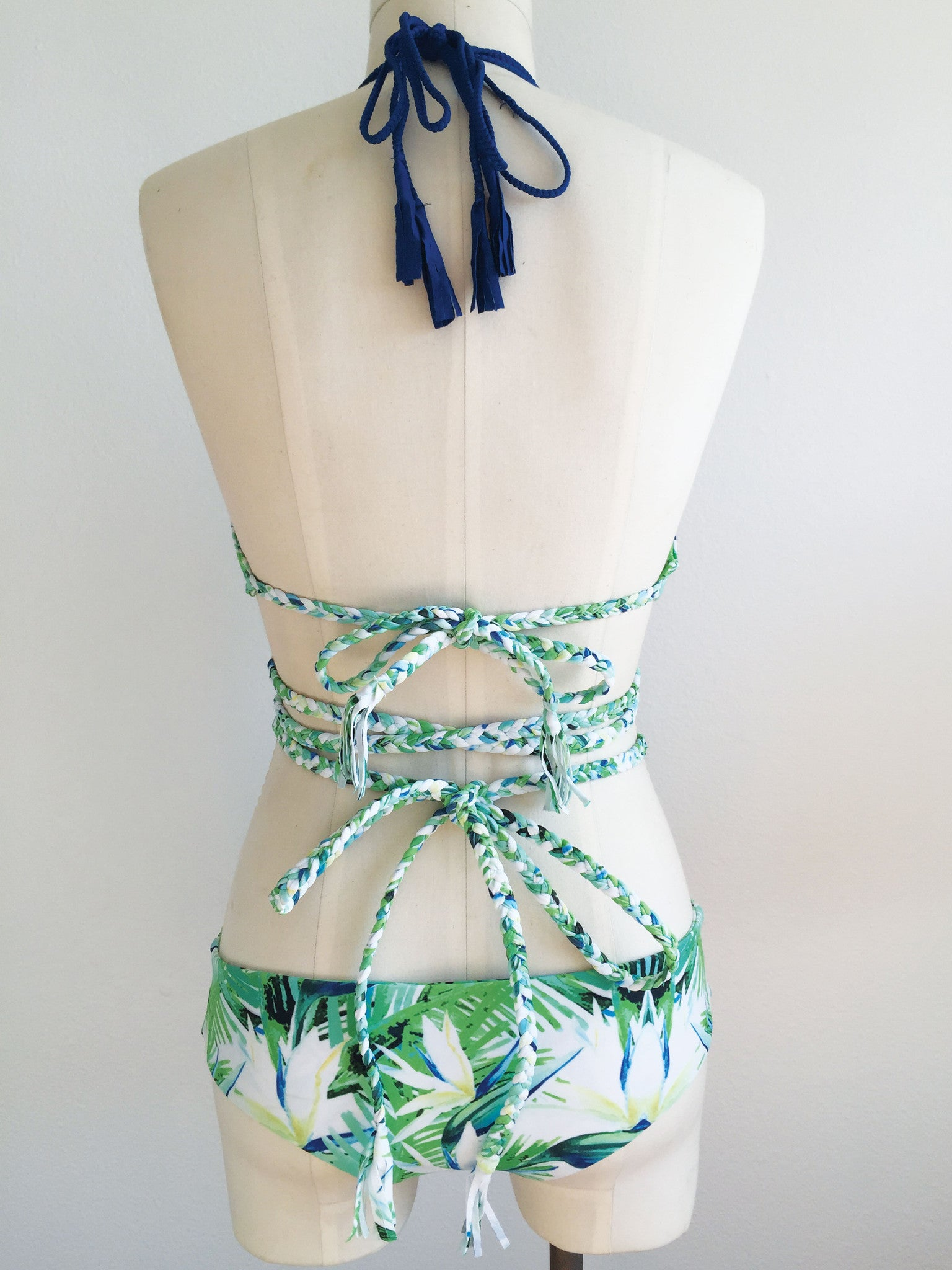 GETTIN' RAD CROSS-FRONT TOP // TROPICAL-MARINE