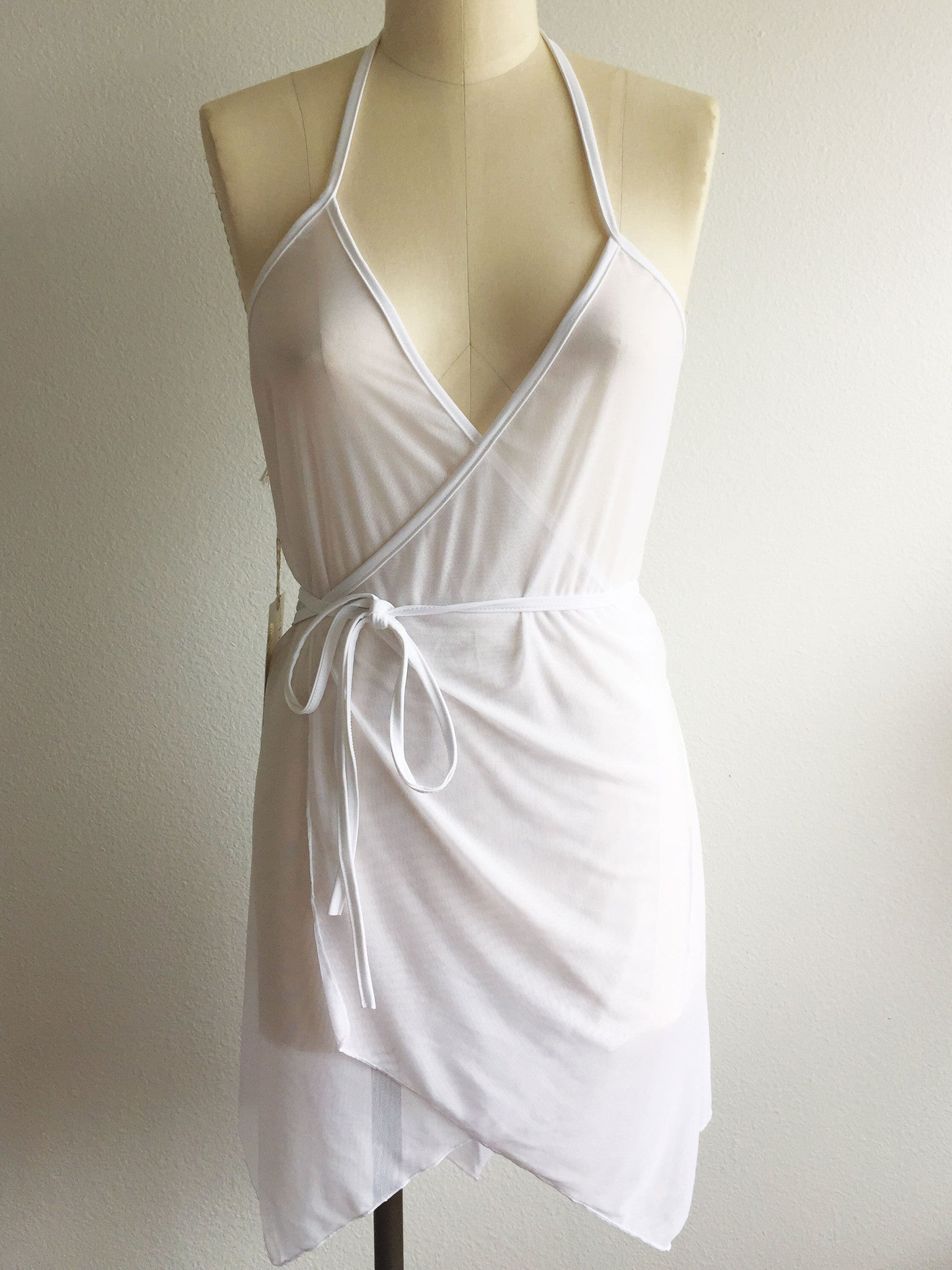 DEEP-V WRAP DRESS // BLANC