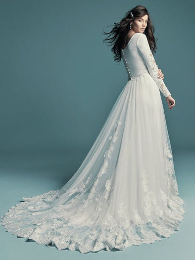 Fashion And Beautiful Gorgeous Wedding Dresses For Girl
