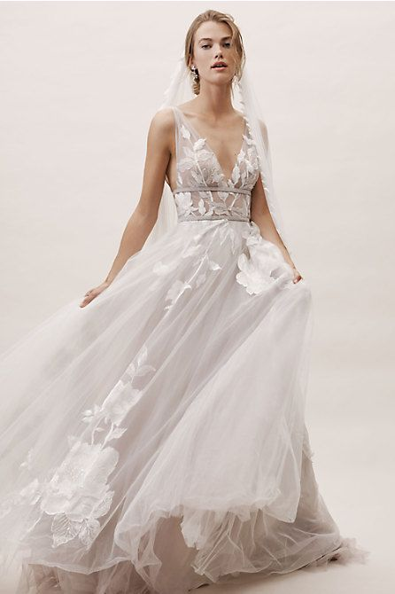 Fashion And Beautiful Beaded Wedding Dresses For Girl
